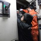 船舶水下泵设备维修现场05